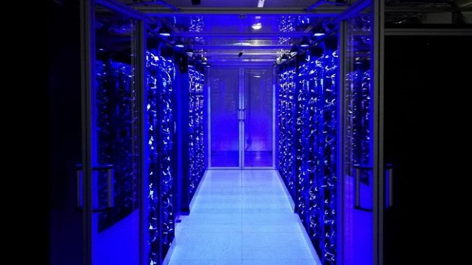 奥地利最新超级计算机 VSC-5,约99000个内核