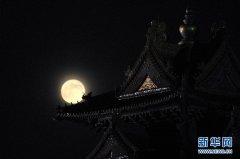 超级月亮在故宫角楼拍,引发钱塘大潮