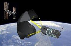 "NASA测试为脱轨卫星部署""太空减速伞""回收系统"