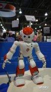 阿尔法机器人二代亮相CES2015