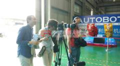利迅达机器人扬名海外法国电视台前来取经