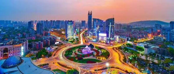走近武汉光谷 日新月异高速发展