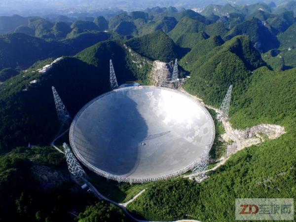 国家天文台结盟阿里云:计算100亿光年的数字宇宙