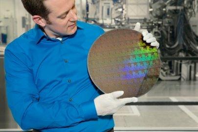 IBM开发5纳米芯片 摩尔定律依然有效!