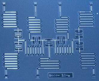 IBM公司优化量子计算 模拟分子解决化学问题