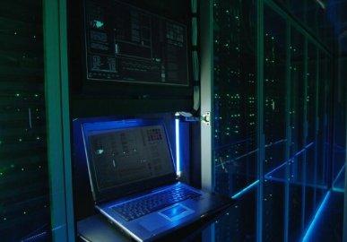 施耐德电气合作开发数据中心液体冷却解决方案